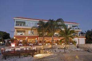 Den Laman Bonaire Oceanfront Apartments